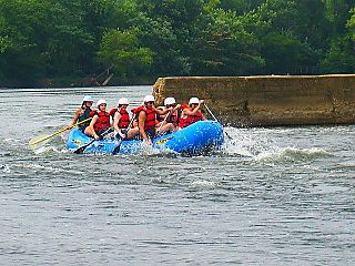 Watersports_rafters_belle_02